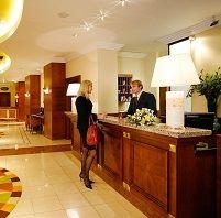 Contoh Surat Konfirmasi Pemesanan Hotel Bahasa Inggris dan teknik penulisannya