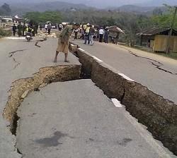 gambar gempa bumi untuk penjelasan lengkap explanation text dan contohnya beserta penjelasannya